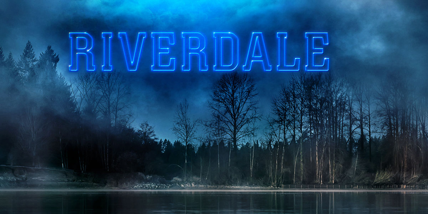 Riverdale Wallpaper: Molly Ringwald Arrives In Riverdale In First-Look Photo