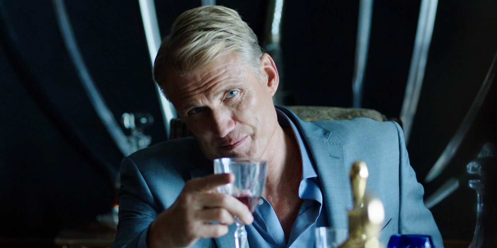 Arrow: Dolph Lundgren ...