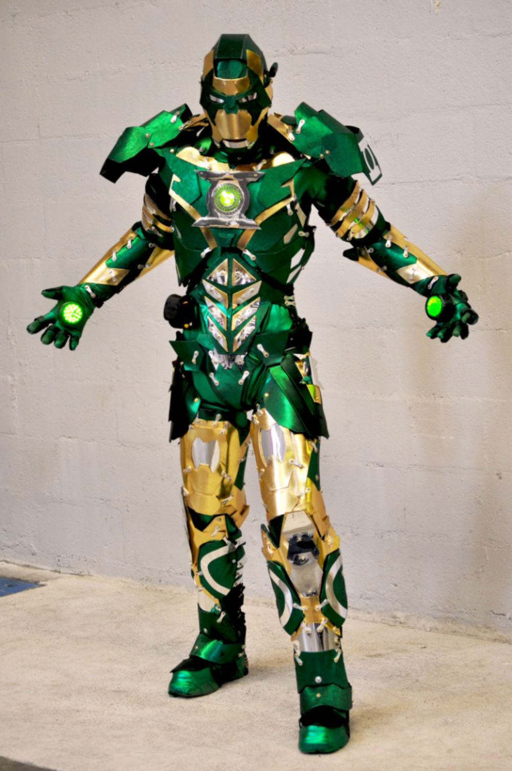 Iron Lantern Cosplay