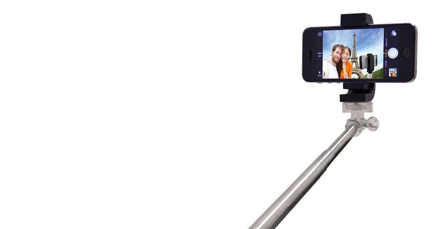 comic con international bans selfie sticks. Black Bedroom Furniture Sets. Home Design Ideas